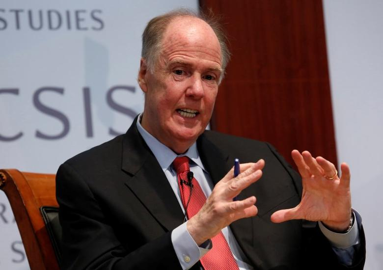 Former National Security Adviser Tom Donilon, distinguished fellow at the Council on Foreign Relations, participates in a panel discussion at the Center for Strategic and International Studies (CSIS) in Washington, June 2, 2014. REUTERS/Yuri Gripas