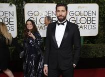 Ator John Krasinski chega ao 73º Golden Globe Awards em Beverly Hills, Califórnia. 10 de janeiro de 2016. REUTERS/Mario Anzuoni