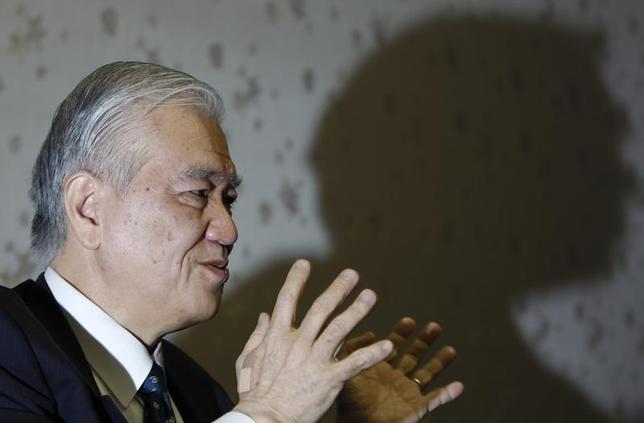 2月18日、JBICの渡辺博史総裁(元財務官)は会見で、中国・上海で今月下旬に開催予定の20カ国・地域(G20)財務相・中央銀行総裁会合では、先進国の金融政策と中国、原油動向が議論されるとの見通しを示した。写真は渡辺総裁。都内で2011年1月撮影(2016年 ロイター/Issei Kato)