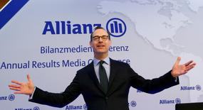 Le président du directoire d'Allianz, Oliver Bäte. Le premier assureur d'Europe vise un bénéfice d'exploitation annuel de 10,5 milliards d'euros, plus ou moins 500 millions, en fonction de l'évolution des demandes d'indemnisation et des marchés de capitaux.  /Photo prise le 19 février 2016/REUTERS/Michaela Rehle