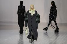 Singer Lady Gaga presents a creation by Marc Jacobs during his Fall/Winter 2016 collection during New York Fashion Week  in the Manhattan borough of New York, February 18, 2016.   REUTERS/Carlo Allegri
