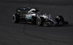 Hamilton faz teste no circuito de Barcelona em Montmelo.  22/2/2016. REUTERS/Sergio Perez