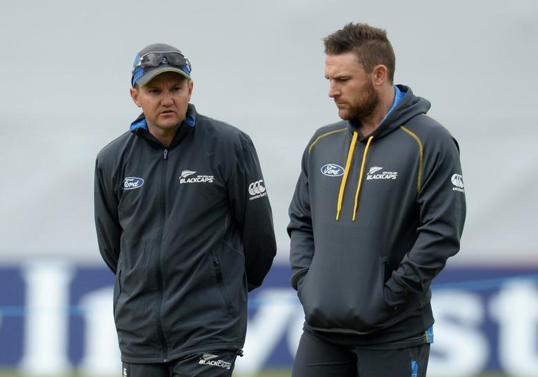 Cricket - New Zealand Nets - Headingley - 27/5/15New Zealand's Mike Hesson and Brendon McCullum during netsAction Images via Reuters / Philip BrownLivepicEDITORIAL USE ONLY.