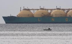 СПГ-танкер близ Гаваны 28 июня 2009 года. Акционеры арктического завода Ямал СПГ инвестировали в проект $12,5 миллиарда, сказал в ходе телефонной конференции в пятницу финдиректор Новатэка Марк Джетвей. REUTERS/Desmond Boylan