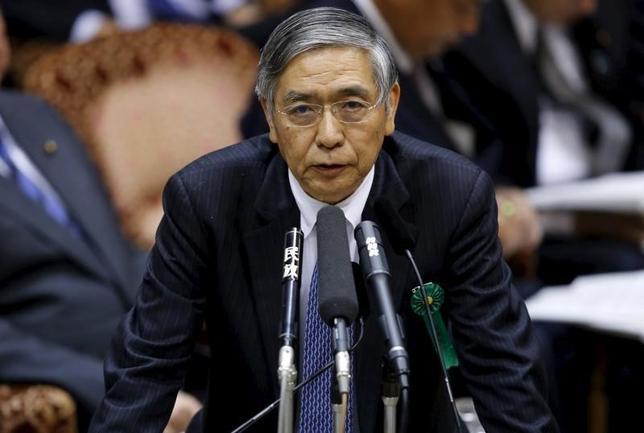 2月29日、日銀の黒田東彦総裁は午前の衆院予算委員会に出席し、マイナス金利政策が法的に問題はないと強調した。また個人向けの預金金利がマイナスになる可能性について「まったく考えていない」との見解を繰り返した。写真は都内で1月撮影(2016年 ロイター/Toru Hanai)