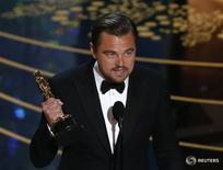 """Leonardo DiCaprio recebe o Oscar de melhor ator por """"O Regresso"""". 28/02/2016 REUTERS/Mario Anzuoni"""