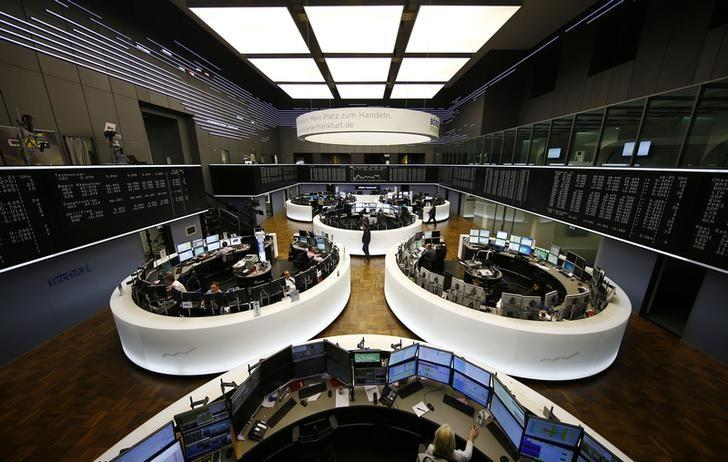 The German share prize index (DAX) board and the trading room of Frankfurt's stock exchange (Boerse Frankfurt) are photographed during afternoon trading session in Frankfurt, Germany, February 23, 2016. REUTERS/Kai Pfaffenbach