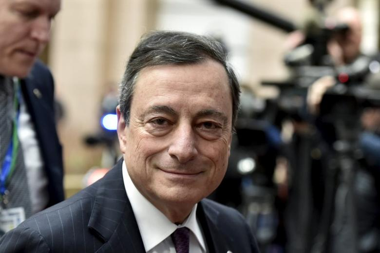 European Central Bank (ECB) President Mario Draghi arrives at the EU council headquarters for the second day of a European Union leaders summit addressing the talks about the so-called Brexit and the migrants crisis in Brussels, Belgium, February 19, 2016. REUTERS/Eric Vidal