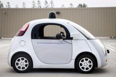 Protótipo de carro autônomo do Google durante apresentação à imprensa em Mountain View, na Califórnia. 29/09/2015. REUTERS/Elijah Nouvelage