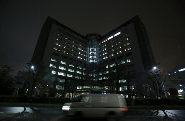 「私たちの病状は相当に悪化し、最悪の事態になっている」。今年2月10日、大阪入国管理局で、被収容者44人(支援団体発表)が医療などの処遇改善を要求し、集団でハンガーストライキを起こした。写真は東京入国管理局。2015年12月撮影(2016年 ロイター/Yuya Shino)