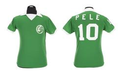 Camisa que Pelé usou durante a temporada que defendeu o New York Cosmos.   08/03/2016    REUTERS/Julien's Auctions/Handout via Reuters