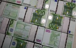 La situation des trésoreries des grandes entreprises et ETI (entreprises de taille intermédiaire) s'est sensiblement dégradée en France en mars, selon l'enquête mensuelle de l'institut COE-Rexecode pour l'Association française des trésoriers d'entreprise (AFTE). /Photo d'archives/REUTERS/Leonhard Föger