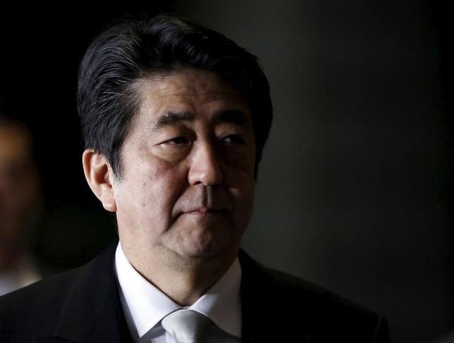 3月16日、政府・日銀が期待していた今年の春闘は、自動車・電機など大手メーカーのベースアップが昨年水準を大幅に下回り、中小企業を含めた全体のベアは、0.5%未満にとどまる公算が大きくなった。世界経済の先行きが怪しくなってきたことが大きく作用している。写真は都内で1月撮影(2016年 ロイター/Yuya Shino)