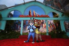 "Personagens do filme ""Zootopia"" em Hollywood.  17/2/2016.   REUTERS/Mario Anzuoni"