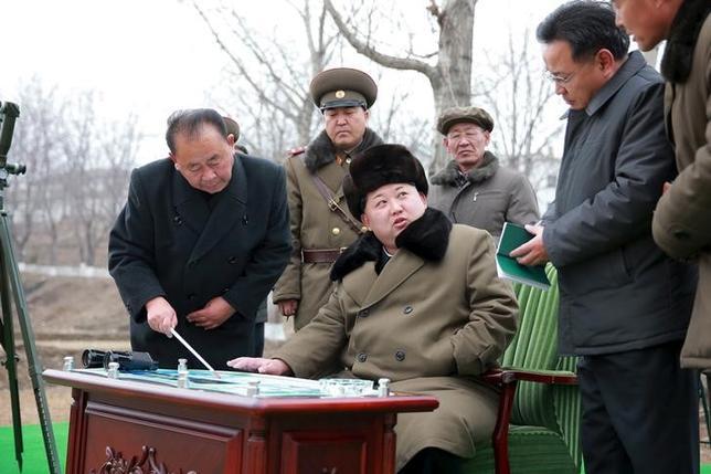 3月18日、韓国軍は、北朝鮮がきょう2発目のミサイルを発射した可能性がある、と発表した。提供写真(2016年 ロイター/KCNA)