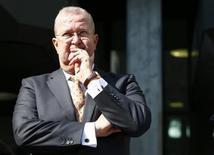 Un tribunal allemand a acquitté vendredi Wendelin Wiedeking, un ancien président du directoire de Porsche, des faits de manipulation de cours qui lui étaient reprochés après la tentative avortée de prise de contrôle de Volkswagen en 2008. /Photo prise le 18 mars 2016/REUTERS/Michaela Rehle
