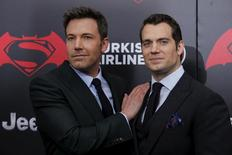 Ben Affleck e Henry Cavill em lançamento de 'Batman vs Superman' em Nova York> 20/3/2016. REUTERS/Eduardo Munoz