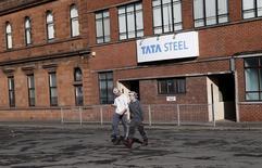 Tata Steel a décidé de céder toutes ses activités au Royaume-Uni. Le numéro un de la sidérurgie britannique tire ainsi un trait sur près de dix ans de présence dans ce secteur, en déclin, du pays. /Photo d'archives/REUTERS/Russell Cheyne