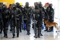 Membros do Bope participam de simulação de segurança para Jogos do Rio. 11/2/2015.  REUTERS/Sergio Moraes