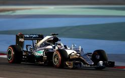 Formula One - Bahrain F1 Grand Prix - Sakhir, Bahrain - 02/04/16 - Mercedes F1 driver, Lewis Hamilton of Britain drives during qualifying session for Bahrain F1 GP. REUTERS/Hamad I Mohammed