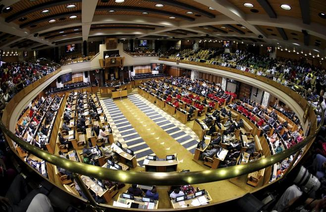 Jacob Zuma beats South Africa impeachment vote