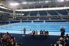 Presidente Dilma Rousseff discursa na inauguração da piscina do Parque Olímpico do Rio de Janeiro. 08/04/2016 REUTERS/Ricardo Moraes
