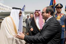 Egypt's President Abdel Fattah al-Sisi welcomes Saudi Arabia's King Salman in Cairo, Egypt, in this handout photo received April 7, 2016. REUTERS/Saudi Press Agency/Handout via Reuters