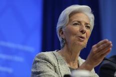 La directora gerente del Fondo Monetario Internacional (FMI), Christine Lagarde, en una rueda de prensa en Washington, abr 14, 2016. Lagarde dijo el jueves que el organismo hará más en 2016 para ayudar a que sus miembros cumplan los objetivos de crecimiento económico, y agregó que destinará más recursos a proteger a países vulnerables. REUTERS/Joshua Roberts