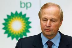 BP's Chief Executive Bob Dudley speaks to the media after year-end results were announced at the energy company's headquarters in London, in this February 1, 2011 file photo.  REUTERS/Suzanne Plunkett/Files