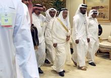 Министр нефти Саудовской Аравии Аль аль-Наими перед началом встречи нефтедобывающих стран в Дохе. 17 апреля 2016 года. Представители нефтедобывающих стран в воскресенье не сумели договориться о заморозке объема нефтедобычи на встрече в Дохе, сообщили Рейтер три источника в нефтяной отрасли. REUTERS/Ibraheem Al Omari