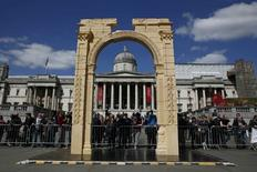 A 5.5-meter (20ft) recreation of the 1,800-year-old Arch of Triumph in Palmyra, Syria, is seen at Trafalgar Square in London, Britain April 19, 2016.  REUTERS/Stefan Wermuth