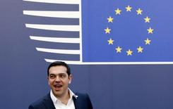 Le Premier ministre grec, Alexis Tsipras, à Bruxelles. Les négociations entre la Grèce et ses créanciers internationaux sur les réformes économiques ont progressé, a dit jeudi un responsable grec, mais la conclusion d'un accord nécessaire au déblocage de nouveaux prêts n'est pas encore acquise. /Photo pris ele 19 février 2016/ REUTERS/François Lenoir