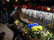 """L'Ukraine commémore ce mardi le trentième anniversaire de la catastrophe nucléaire de Tchernobyl en rendant notamment hommage aux """"liquidateurs"""" (photo), ces pompiers et soldats envoyés sur le site sans aucune protection dans les heures qui ont suivi l'explosion et dont beaucoup ont perdu la vie. /Photo prise le 26 avril 2016/REUTERS/Gleb Garanich"""