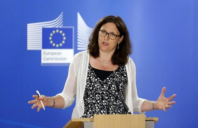 European Trade Commissioner Cecilia Malmstrom gestures as she addresses a news conference at the EU Commission headquarters in Brussels, Belgium, August 4, 2015.  REUTERS/Francois Lenoir