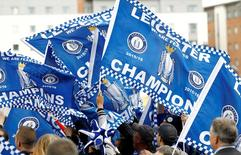 Torcedores do Leicester City celebrando título inglês.    03/05/2016 Action Images via Reuters / Craig Brough Livepic