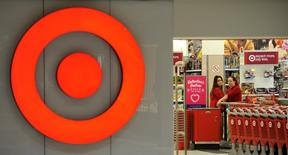 Employees work at a Target store at St. Albert, Alberta, January 15, 2015.  REUTERS/Dan Riedlhuber
