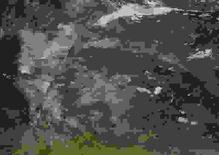 Incêndio perto de Fort McMurray é visto em imagem de satélite da Nasa. 3/5/2016.  Nasa/Divulgação via Reuters