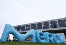 Merck & Co affiche un chiffre d'affaires trimestriel inférieur aux attentes (-1% à 9,31 milliards de dollars) en raison des ventes décevantes de son traitement du diabète, Januvia, et de son médicament contre la polyarthrite rhumatoïde, Remicade. /Photo prise le 28 janvier 2016/REUTERS/Ralph Orlowski