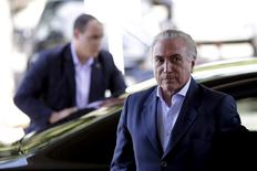 Vice-presidente Michel Temer chega ao Palácio do Planalto, em Brasília 22/04/2016 REUTERS/Ueslei Marcelino