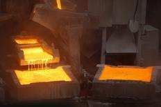 La planta de cátodos de cobre de Enami en Tierra Amarilla, Chile, dic 15, 2015. La producción de cobre de las grandes mineras en Chile registró un desempeño mixto en el primer trimestre, afectado por el cierre temporal de una planta del gigantesco yacimiento Escondida, según cifras reveladas por el Gobierno.  REUTERS/Ivan Alvarado