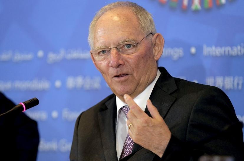 German FinMin wants no Greek debt relief before 2018: Handelsblatt | Reuters