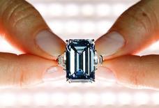 Diamante azul vendido pela Christie's em Genebra.  12/5/2016. REUTERS/Denis Balibouse