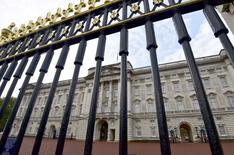 Palácio de Buckingham, residência da rainha britânica Elizabeth, em Londres.    24/10/2014       REUTERS/Toby Melville/File Photo