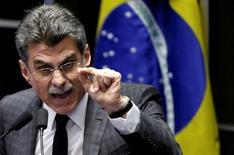 Ministro do Planejamento, Romero Jucá, discursando durante votação sobre impeachment da presidente afastada Dilma Rousseff, em Brasília 12/05/2016 REUTERS/Ueslei Marcelino