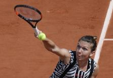 Tennis - French Open - Roland Garros - Simona Halep of Romania v Naomi Osaka of Japan - Paris, France - 27/05/16. Halep serves. REUTERS/Jacky Naegelen