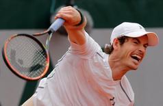 French Open - Roland Garros - Ivo Karlovic of Croatia v Andy Murray of Britain - Paris, France - 27/05/16. Murray returns serves. REUTERS/Jacky Naegelen