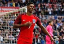 Atacantes Marcus Rashford comemorando primeiro gol pela Inglaterra.   27/05/2016      Action Images via Reuters / Ed Sykes