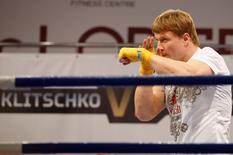 Alexander Povetkin of Russia attends an open training session in Moscow, October 2, 2013. REUTERS/Grigory Dukor