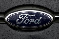 General Motors et Ford ont annoncé mercredi une baisse sensible de leurs ventes en mai aux Etats-Unis, reflétant une faible demande pour les berlines et un effet calendaire défavorable. /Photo d'archives/REUTERS/François Lenoir
