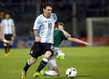 Lionel Messi durante partida contra Bolívia.         REUTERS/Enrique Marcarian